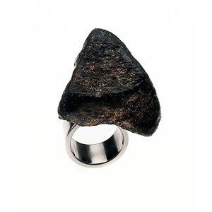 Anillo Meteorite #2 en acero, papel, plata y piedras semipreciosas - Colección Don't Wash - Giovanna Bittante Design