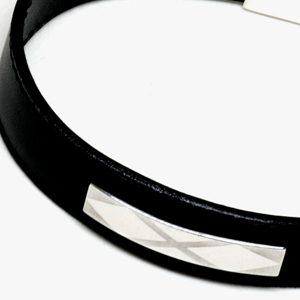 Pulsera N-targa en plata y piel, con dibujo láser - Colección Giovesol hombre y mujer - Giovanna Bittante Design