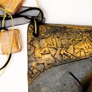 Colgante Deserto en cerámica y terracota, fundidas con pigmentos y plata - Colección Terre - Giovanna Bittante Design