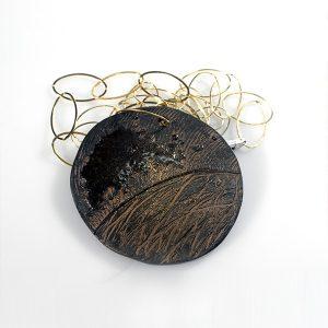 Colgante Luna di Giove en cerámica y terracota, fundidas con pigmentos y plata - Colección Terre - Giovanna Bittante Design