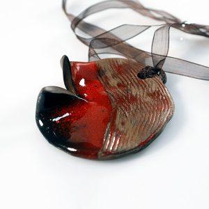 Colgante Luna Rossa en cerámica y terracota, fundidas con pigmentos y plata - Colección Terre - Giovanna Bittante Design