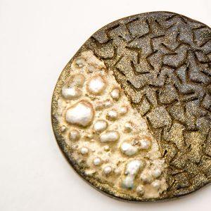 Colgante Rugiada en cerámica y terracota, fundidas con pigmentos y plata - Colección Terre - Giovanna Bittante Design