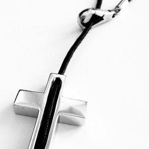 Collar Croce Uno en plata y cordón encerado negro - Collezione Giovesol uomo e donna - Giovanna Bittante Design