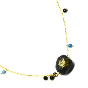 Collar Pepita #1 en papel, piedras naturales, cadena de plata dorada - Colección Don't Wash - Giovanna Bittante Design