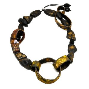 Collar Tesori Nascosti en papel y piedras naturales - Colección Don't Wash - Giovanna Bittante Design