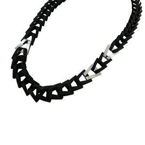 Collar Trapezio Nero en acetato y plata - Colección Intrecci - Giovanna Bittante Design