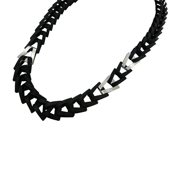 Collar Trapezio Nero