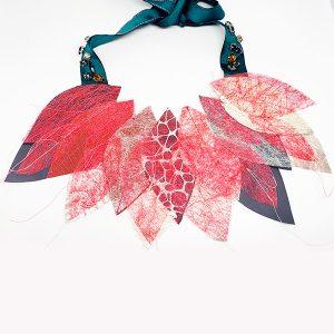 Collana Volo Rosso in stoffa, sostenibile 100% - Collezione Ali di Fata - Giovanna Bittante Design